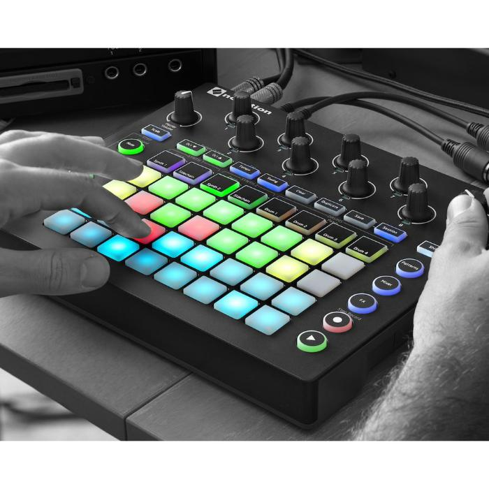 NOVATION GROOVE SYNTH MODULE-1